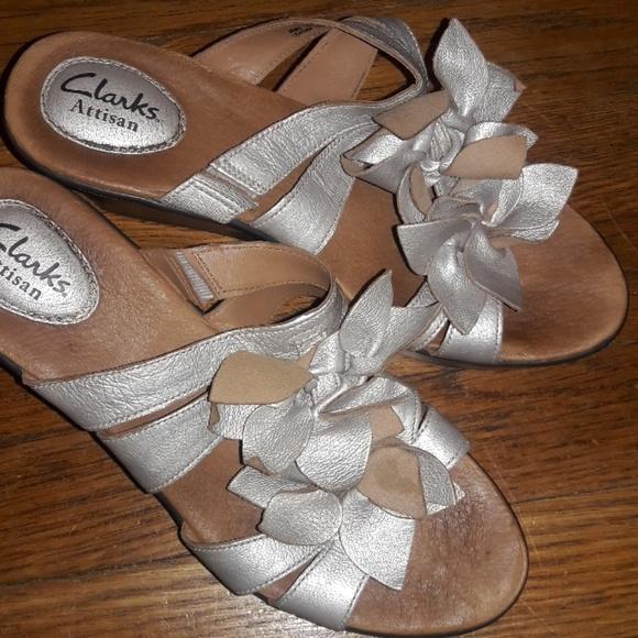 1fb5e2b05043 Clarks Shoes - Women s Clarks Gold Wedge Sandal sz 7.5
